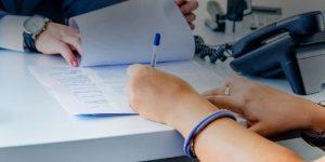 подписание договора на получение кредита