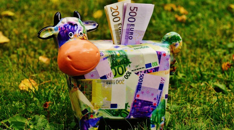 как научить ребенка обращаться с деньгами