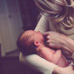Как ребенок познает мир сразу после рождения?