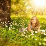 Как правильно воспитывать ребенка без подсказок бабушек и дедушек?
