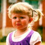Капризы ребенка 3 лет: как пережить и что предпринять родителям?