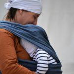 Кенгуру, слинг, прыгунки и ходунки: польза для новорожденных и деток до года