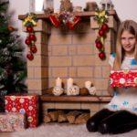 Новогодние подарки детям: в сад, школу и своими руками. До какого возраста по закону положены детские подарки к Новому году от организации?