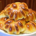 Булочки в духовке – простые и вкусные рецепты