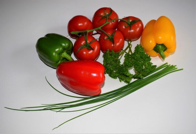 Чем подкормить рассаду перца и помидор