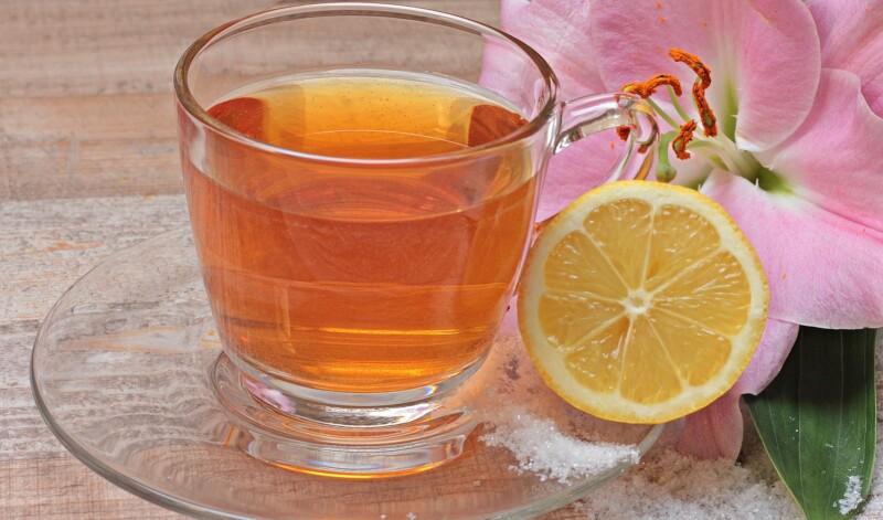 Чем полезен черный чай с лимоном