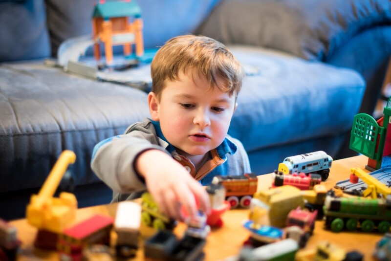 чем можно занять ребенка 5 лет дома