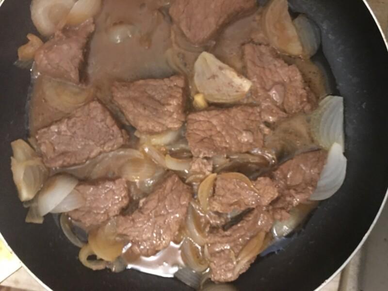 Жареная говядина на сковороде - фото шаг 3