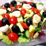 Вкусные и простые салаты на скорую руку для праздничного стола