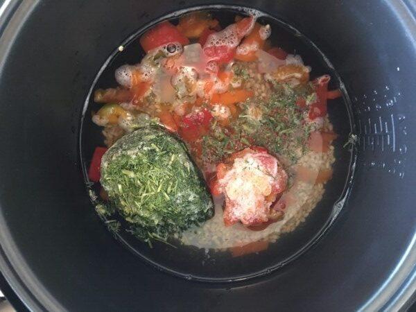 Перловый суп с курицей и овощами - фото шаг 2