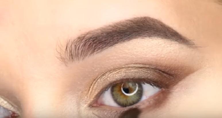 Макияж глаз - фото шаг 5