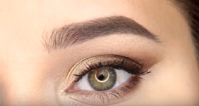 Макияж глаз - фото шаг 6